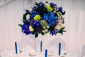 свадебные цветы белый фиалетовый синий