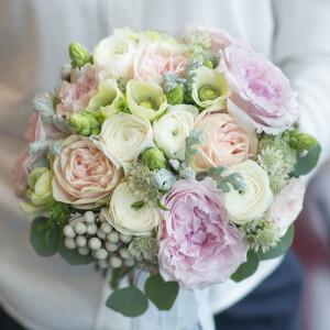 свадебный букет розовый белый лососовый